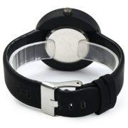montre-noir-minimaliste-3