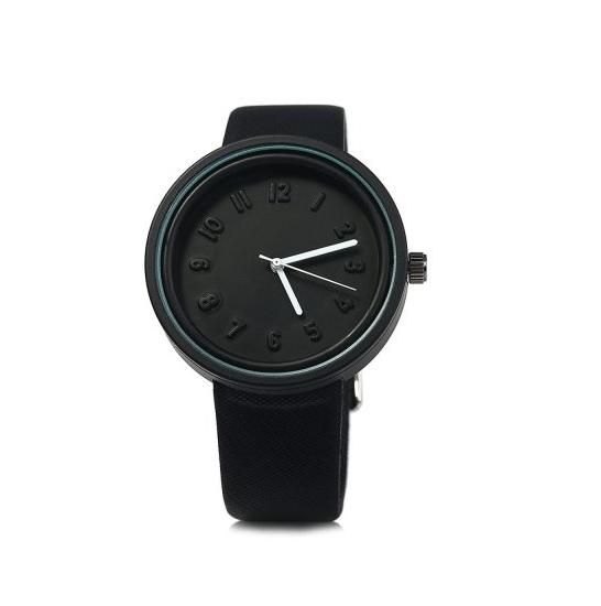 montre-noir-inimaliste